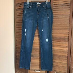 Cabi Distressed Slim Boyfriend Jeans Size 8 EUC.